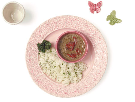 ピンク色の食器(お皿)