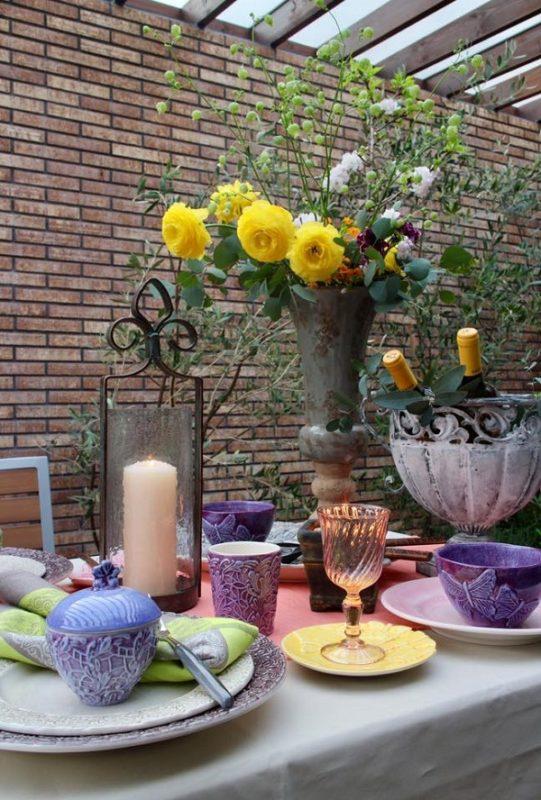 色で魅せるテーブルコーディネート