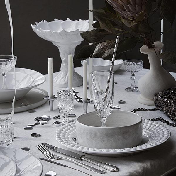 洋食器でクリスマスのテーブルコーディネート