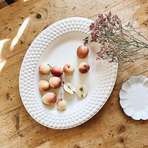 ナチュラルな白い食器