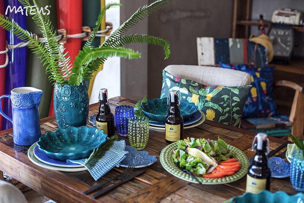 オーシャンブルーのテーブルウェア