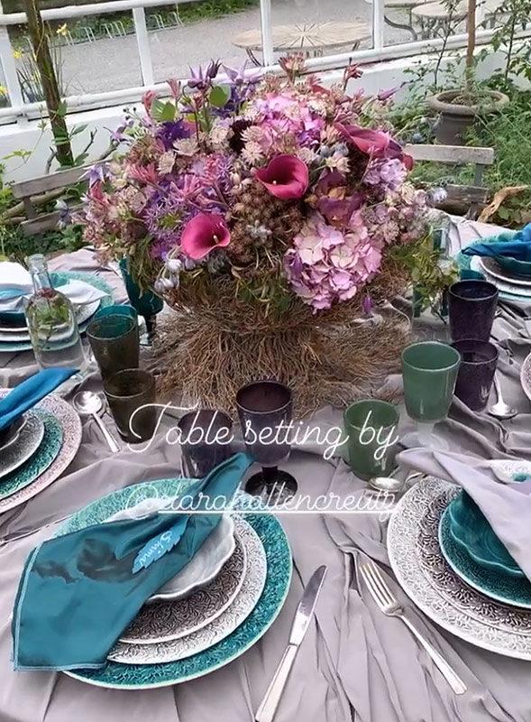 お花とテーブルコーディネート