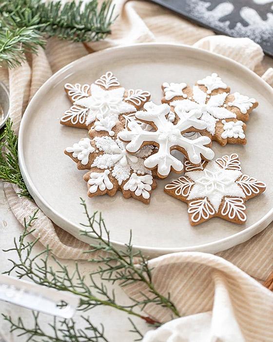 アイシングクッキーとお皿