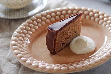 インスタ映え間違いなし!手頃なサイズのケーキ皿