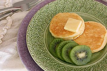 絶品キウイ「香緑」とMATEUS(マテュース)の食 器
