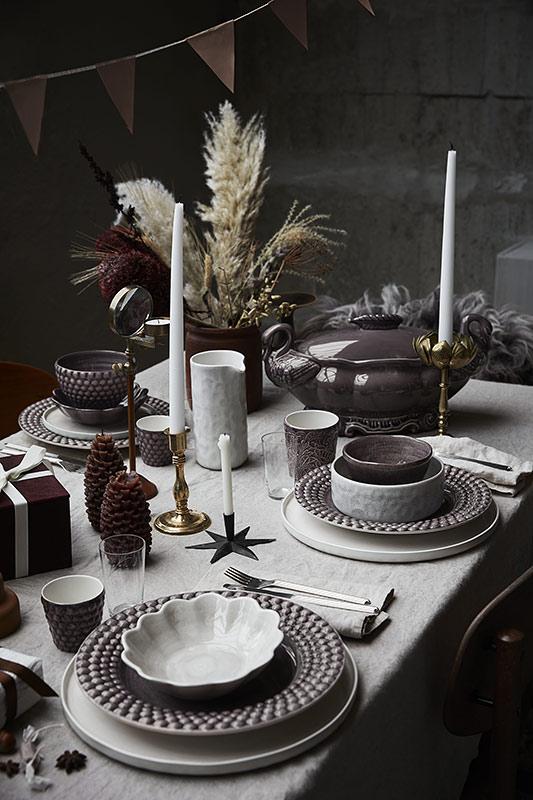 統一感のあるシックなクリスマステーブルセッティング
