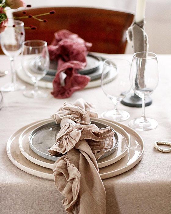 マテュースの食器でテーブルコーディネート