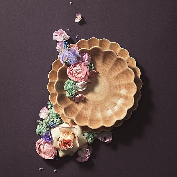 シナモンカラーのオイスター深皿とお皿