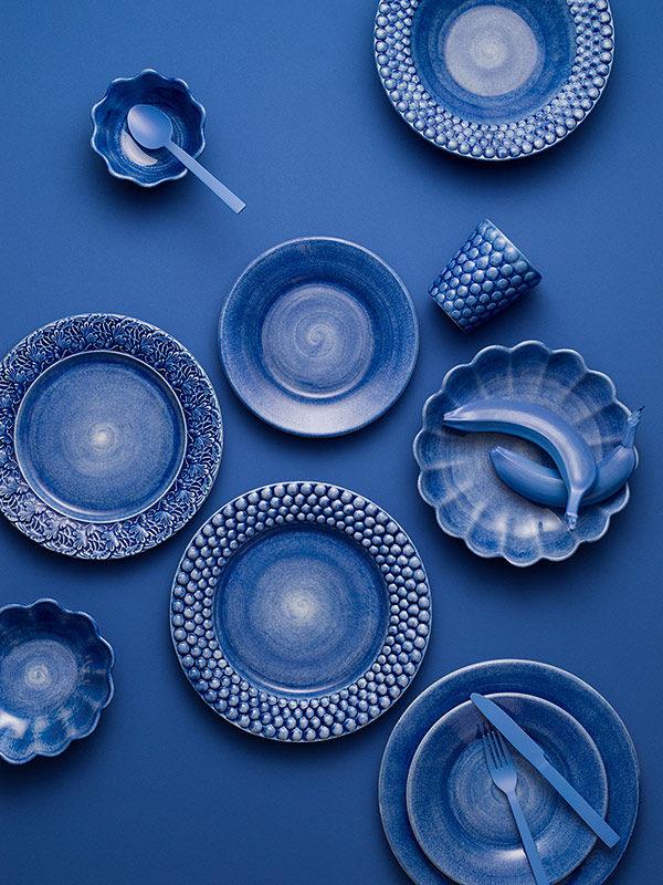 ライトブルーのテーブルウェア