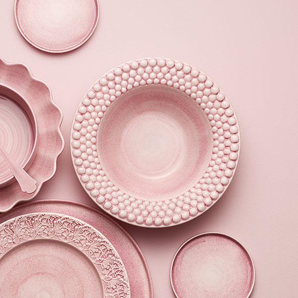 薄いピンクの食器 スープ皿