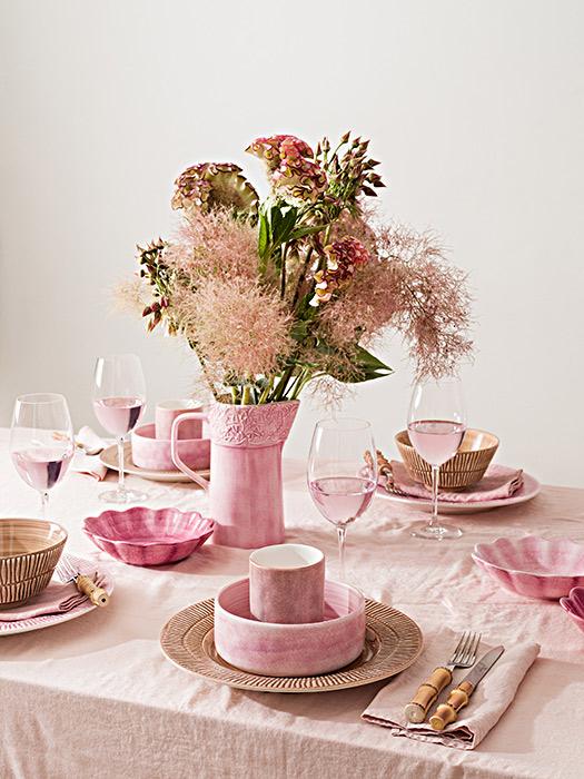 ライトピンクとシナモンとピンクの食器