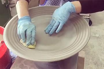 マテュースの食器バブルスの製作風景動画