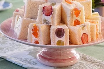 盛り付け簡単で使い方も多様なケーキスタンド