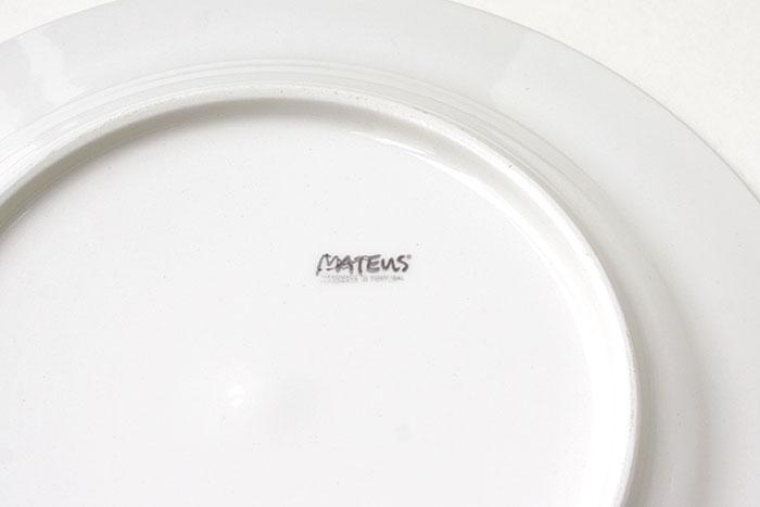 MATEUSのハンドメイドの陶器 ロゴ
