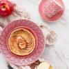 北欧食器マテュースのピンクの食器のテーブルスタイリング写真