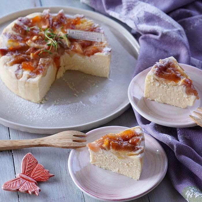 無花果のチーズケーキのカット写真