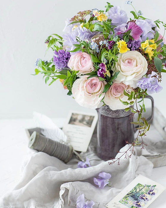 陶器製の花瓶(フラワーベース)