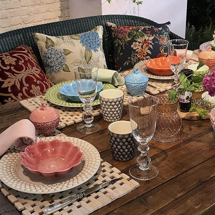 ガーデンパーティーのテーブルコーディネート
