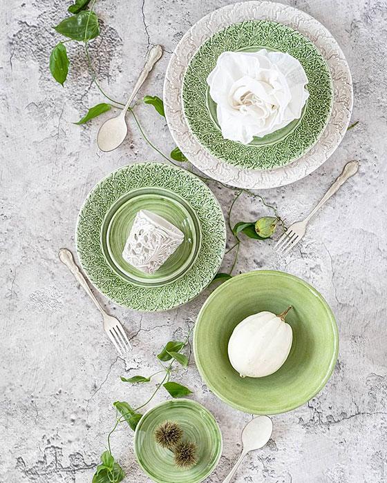 グリーンのお野菜が足らない時には、緑色の食器