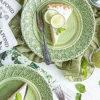 盛り付けを美しくナチュラルに見せてくれる緑のお皿