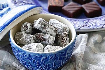 北欧食器に伝統的なチョコレート「ムスカディーヌ」