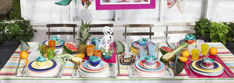 カラフルな食器で彩る夏のテーブルコーディネート