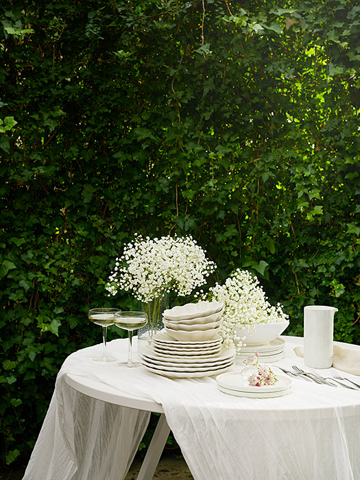 小花が可愛い春のテーブルコーディネート