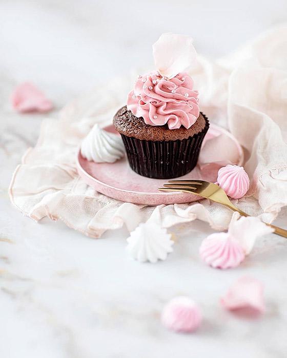 ピンクの食器でおしゃれに!