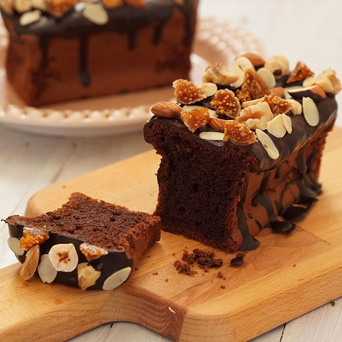 長方形のチョコレートケーキ