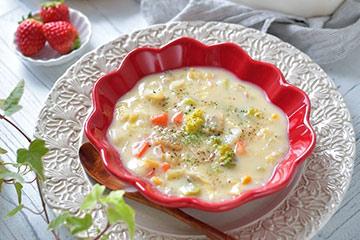 使いやすい貴重な赤いスープボウル