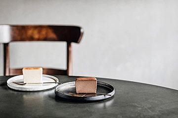 ケーキが映えるお皿として人気の北欧食器