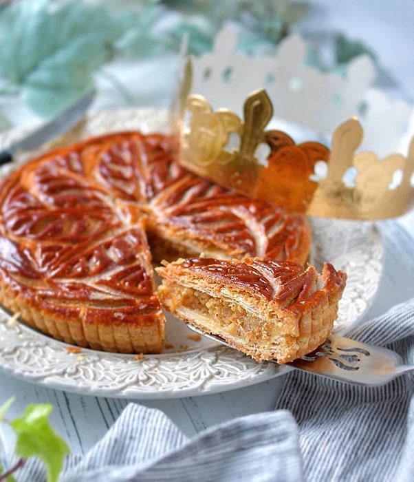手作りのお菓子と北欧スウェーデンの食器