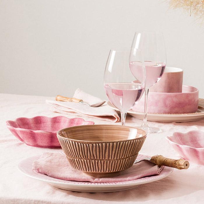 ピンクとシナモンでテーブルコーディネート